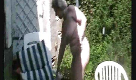 Jovem esposa Quente gemendo e recebendo videosdesexogratis um golpe enquanto fode duro após a masturbação