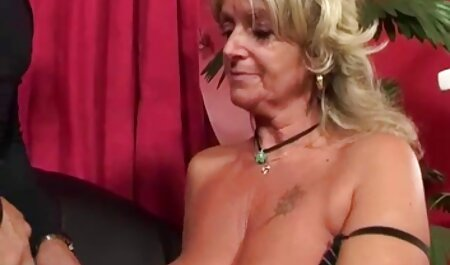Uma cadela, sexo pornô grátis brutal, Brutal tortura um escravo do sexo e irmã com um strapon