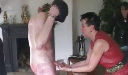 Casa pornô estrela na webcam para vidios pornô grátis mostrar a sua masturbação com uma nova máquina de sexo