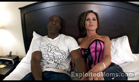 Ambas as meninas vídeo de pornô melhores Handyman pornô cenas de sexo