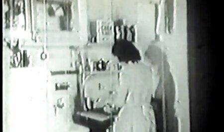 Depravado Mulher vídeos de sexo grátis sem vírus madura traz para casa preto amante na ausência de marido