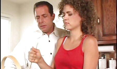Modelo videos de sexo brasileiro gratis pornô Peituda pulando em um pau grande esburacado