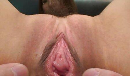 O gigante do leite de video de zoofilia porno uma beleza madura ajuda a foder com seu amante